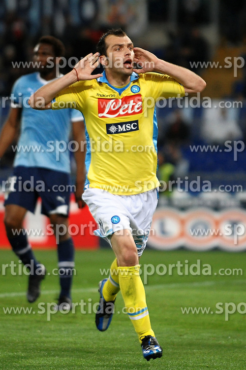 07.04.2012, Olympiastadion, Rom, ITA, Serie A, Lazio Rom vs SSC Neapel, 31. Spieltag, im Bild Esultanza di Goran Pandev dopo il gol 1-1, Goal celebration // during the football match of Italian 'Serie A' league, 31th round, between Lazio Rom and SSC Neapel at Olympic Stadium, Rome, Italy on 2012/04/07. EXPA Pictures © 2012, PhotoCredit: EXPA/ Insidefoto/ Andrea Staccioli..***** ATTENTION - for AUT, SLO, CRO, SRB, SUI and SWE only *****