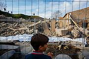 """Pompei, Napoli. Il 7 Novembre 2010 la Domus Gladiatoria o Schola Armaturarum Juventutis Pompeianae, una delle rovine più importanti degli scavi archeologici di Pompei, dopo forti piogge crolla su se stessa a causa di infiltrazioni d'acqua all'interno di un terrapieno adiacente, inoltre il rifacimento in materiali troppo pesanti del tetto, che fu distrutto nel corso dei bombardamenti della seconda guerra mondiale; On November 6, 2010, just a few months after the presentation of the """"Pompeii Viva"""" Project, the ancient roman city lost the """"Domus Gladiatoria"""" (house of the gladiators) at cause of heavy rains."""