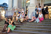 TATE ENTRANCE SUMMER PARTY, Tate Britain Summer party. Tate. Millbank. 27 June 2011. <br /> <br />  , -DO NOT ARCHIVE-© Copyright Photograph by Dafydd Jones. 248 Clapham Rd. London SW9 0PZ. Tel 0207 820 0771. www.dafjones.com.