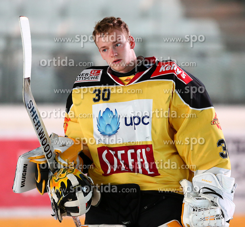 27.09.2015, Albert Schultz Halle, Wien, AUT, EBEL, UPC Vienna Capitals vs HDD TELEMACH Olimpija Ljubljana, 6. Runde, im Bild David Kickert (Vienna Capitals) // during the Erste Bank Icehockey League 6th round match between UPC Vienna Capitals and HDD TELEMACH Olimpija Ljubljana at the Albert Schultz Halle in Vienna, Austria on 2015/09/27. EXPA Pictures © 2015, PhotoCredit: EXPA/ Alexander Forst