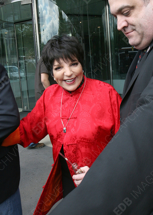 01.JULY.2011. LONDON<br /> <br /> LIZA MINNELLI WINS THE ICON AWARD AT THE NORDOFF ROBBINS 02 SILVER CLEF AWARDS HELD AT THE LONDON HILTON IN CENTRAL LONDON<br /> <br /> BYLINE: EDBIMAGEARCHIVE.COM<br /> <br /> *THIS IMAGE IS STRICTLY FOR UK NEWSPAPERS AND MAGAZINES ONLY*<br /> *FOR WORLD WIDE SALES AND WEB USE PLEASE CONTACT EDBIMAGEARCHIVE - 0208 954 5968*