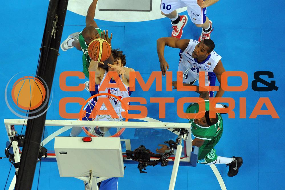 DESCRIZIONE : Torino Coppa Italia Final Eight 2011 Semifinale Bennet Cantu Air Avellino<br /> GIOCATORE : Benjamin Ortner<br /> SQUADRA : Bennet Cantu <br /> EVENTO : Agos Ducato Basket Coppa Italia Final Eight 2011<br /> GARA : Bennet Cantu Air Avellino<br /> DATA : 12/02/2011<br /> CATEGORIA : rimbalzo special<br /> SPORT : Pallacanestro<br /> AUTORE : Agenzia Ciamillo-Castoria/GiulioCiamillo<br /> Galleria : Final Eight Coppa Italia 2011<br /> Fotonotizia : Torino Coppa Italia Final Eight 2011 Semifinale Bennet Cantu Air Avellino<br /> Predefinita :