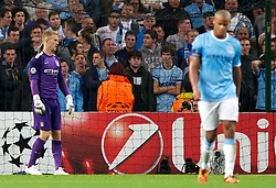 02.10.2013, Etihad Stadion, Manchester, ENG, UEFA Champions League, Manchester City vs FC Bayern Muenchen, Gruppe D, im Bild Manchester City's goalkeeper Joe Hart looks dejected after Bayern Munich scores the second goal in the UEFA Champions League Group D match between Manchester City vs FC Bayern Munich at the Etihad Stadium, Manchester, Great Britain on 2013/10/02. EXPA Pictures © 2013, PhotoCredit: EXPA/ Propagandaphoto/ David Rawcliffe<br /> <br /> ***** ATTENTION - OUT OF ENG, GBR, UK *****