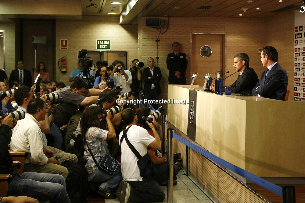 "Jose Mourinho (Real Madrid), MAY 31, 2010 - Football : Spanish ""Liga Espanola "" Presentation new head coach of Real Madrid at the Santiago Bernabeu Stadium on May 31, 2010 in Madrid, Spain. (Photo by AFLO) [3604]"