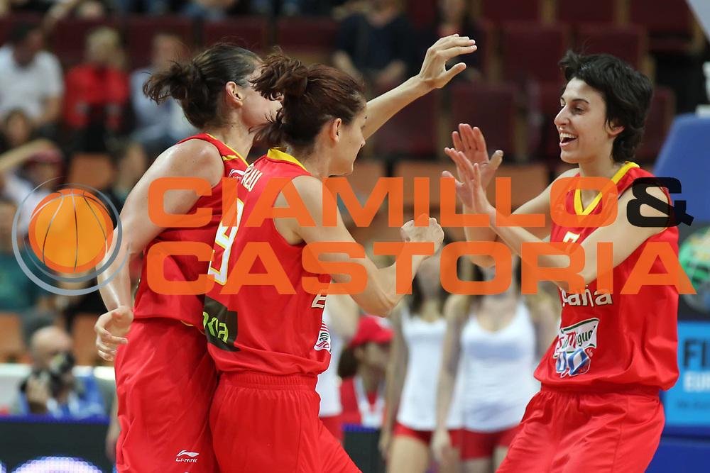 DESCRIZIONE : Katowice Poland Polonia Eurobasket Women 2011 Round 1 Polonia Spagna Poland Spain<br /> GIOCATORE : Alba Torrens Laia Palau Anna Montanana<br /> SQUADRA : Polonia Poland<br /> EVENTO : Eurobasket Women 2011 Campionati Europei Donne 2011<br /> GARA : Polonia Spagna Poland Spain<br /> DATA : 20/06/2011<br /> CATEGORIA : <br /> SPORT : Pallacanestro <br /> AUTORE : Agenzia Ciamillo-Castoria/E.Castoria<br /> Galleria : Eurobasket Women 2011<br /> Fotonotizia : Katowice Poland Polonia Eurobasket Women 2011 Round 1 Polonia Spagna Poland Spain<br /> Predefinita :