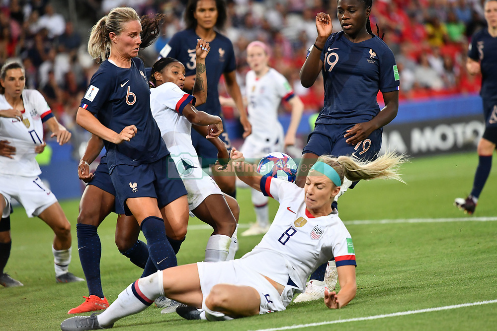 June 28, 2019 - Paris, ile de france, France - Julie ERTZ (USA), Amandine HENRY (Capitain) in action during the second period of the quarter-final between FRANCE vs USA in the 2019 women's football World cup at Parc des Princes in Paris, on the 28 June 2019. (Credit Image: © Julien Mattia/NurPhoto via ZUMA Press)
