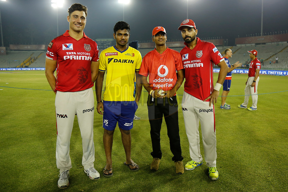 Marcus Stoinis of Kings XI Punjab, Sanju Samson of Delhi Daredevils and Kings XI Punjab captain Murali Vijay with Vodafone Fan after presentation of the match 36 of the Vivo Indian Premier League ( IPL ) 2016 between the Kings XI Punjab and the Delhi Daredevils held at the IS Bindra Stadium, Mohali, India on the 7th May 2016<br /> <br /> Photo by Deepak Malik/ IPL/ SPORTZPICS