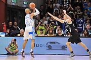DESCRIZIONE : Campionato 2014/15 Dinamo Banco di Sardegna Sassari - Dolomiti Energia Aquila Trento Playoff Quarti di Finale Gara4<br /> GIOCATORE : David Logan<br /> CATEGORIA : Tiro Tre Punti Three Point Controcampo<br /> SQUADRA : Dinamo Banco di Sardegna Sassari<br /> EVENTO : LegaBasket Serie A Beko 2014/2015 Playoff Quarti di Finale Gara4<br /> GARA : Dinamo Banco di Sardegna Sassari - Dolomiti Energia Aquila Trento Gara4<br /> DATA : 24/05/2015<br /> SPORT : Pallacanestro <br /> AUTORE : Agenzia Ciamillo-Castoria/C.AtzoriAUTORE : Agenzia Ciamillo-Castoria/C.Atzori