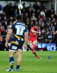 Bristol Rugby Inside Centre Ben Mosses kicks for goal  - Photo mandatory by-line: Joe Meredith/JMP - Mobile: 07966 386802 - 27/05/2015 - SPORT - Rugby - Worcester - Sixways Stadium - Worcester Warriors v Bristol Rugby - Greene King IPA Championship