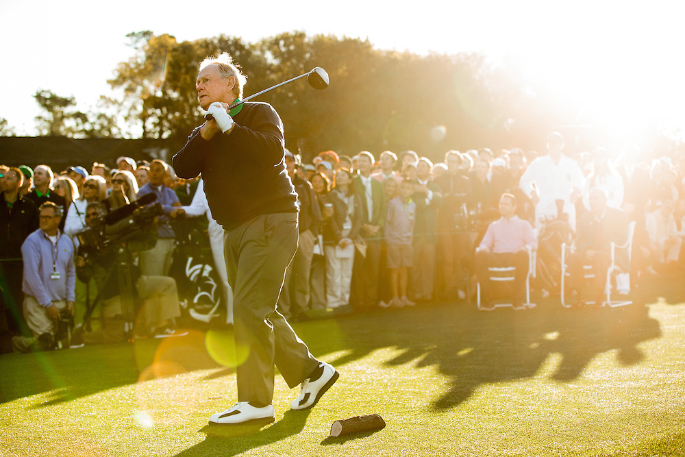 Six-time Masters champion Jack Nicklaus hit the ceremonial first tee shot to begin teh 2016 Masters Tournament at Augusta National Golf Club. Golf: 2016 Masters<br /> Round 1 Thursday<br /> Augusta National/Augusta, GA, <br /> 04/07/2016<br /> SI-14 TK1<br /> Credit: Darren Carroll