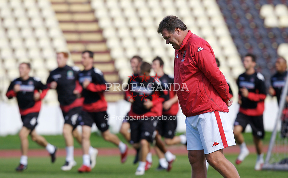 Bratislava, Slovakia - Tuesday, September 11, 2007: Wales' manager John Toshack watches his side during training at the Inter Bratislava stadium ahead of the UEFA Euro 2008 Qualifying Group D match against Slovakia. (Photo by Zaneta Kukucova/Propaganda)
