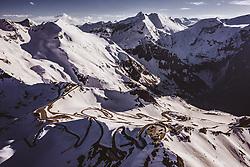 THEMENBILD - die Edelweissspitze mit dem Aussichtsturm, der Edelweisshütte und der hervorragenden Rundumsicht auf 37 Dreitausender und 19 Gletscherfelder. Die Grossglockner Hochalpenstrasse verbindet die beiden Bundeslaender Salzburg und Kaernten und ist als Erlebnisstrasse vorrangig von touristischer Bedeutung, aufgenommen am 02. Juni 2019 in Fusch a. d. Grossglocknerstrasse, Österreich // the Edelweissspitze with the viewing tower, the Edelweisshütte and the excellent panoramic view of 37 three-thousand-metre peaks and 19 glacier fields. The Grossglockner High Alpine Road connects the two provinces of Salzburg and Carinthia and is as an adventure road priority of tourist interest, Fusch a. d. Grossglocknerstrasse, Austria on 2019/06/02. EXPA Pictures © 2019, PhotoCredit: EXPA/ JFK