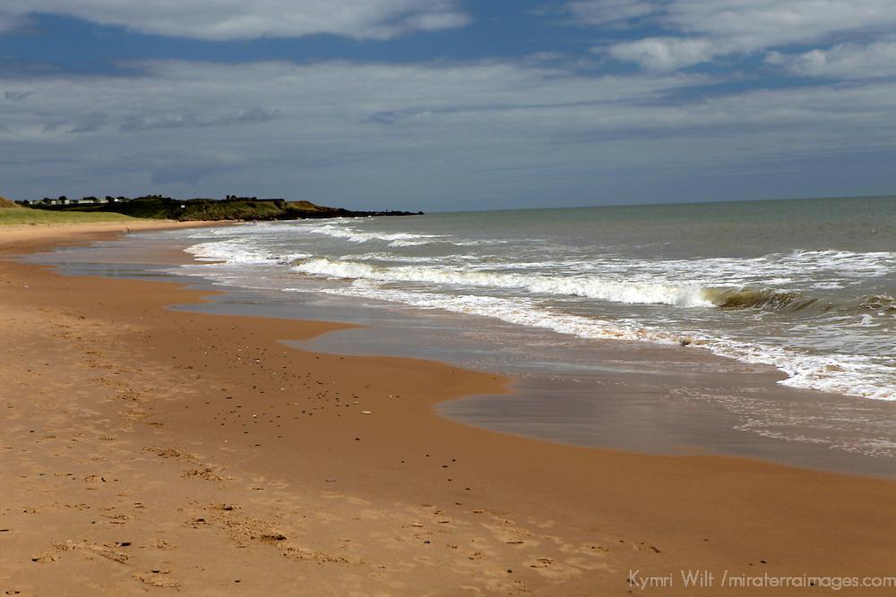Europe, Ireland, Brittas Bay. Shore and skies of Brittas Bay, County Wicklow.