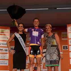 30-08-2016: Wielrennen: Ladies Tour: Tiel      <br /> TIEL (NED) wielrennen    <br /> De Boels Ladies Tour begon met een etappe door de Betuwe<br /> DIDERIKSEN Amalie leidster combinatie klassement