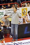 DESCRIZIONE : Pistoia Lega A2 2012-13 Giorgio Tesi Group Pistoia Tezenis Verona<br /> GIOCATORE : Coach Moretti Paolo<br /> SQUADRA : Giorgio Tesi Group Pistoia<br /> EVENTO : Campionato Lega A2 2012-2013<br /> GARA : Giorgio Tesi Group Pistoia Tezenis Verona<br /> DATA : 21/10/2012<br /> CATEGORIA : Delusione<br /> SPORT : Pallacanestro<br /> AUTORE : Agenzia Ciamillo-Castoria/Stefano D'Errico<br /> Galleria : Lega Basket A2 2012-2013 <br /> Fotonotizia : Pistoia Lega A2 2011-2012 Giorgio Tesi Group Pistoia Tezenis Verona<br /> Predefinita :