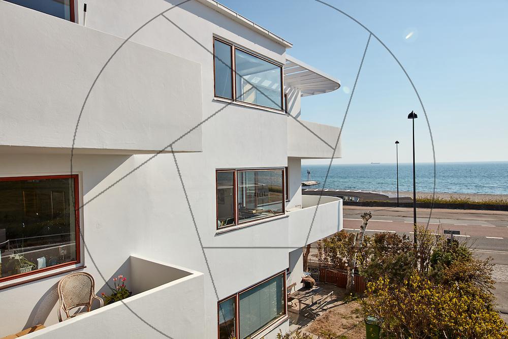 Bella Vista, lejlighedskompleks, tegnet af Arne Jacobsen, under facaderenovering