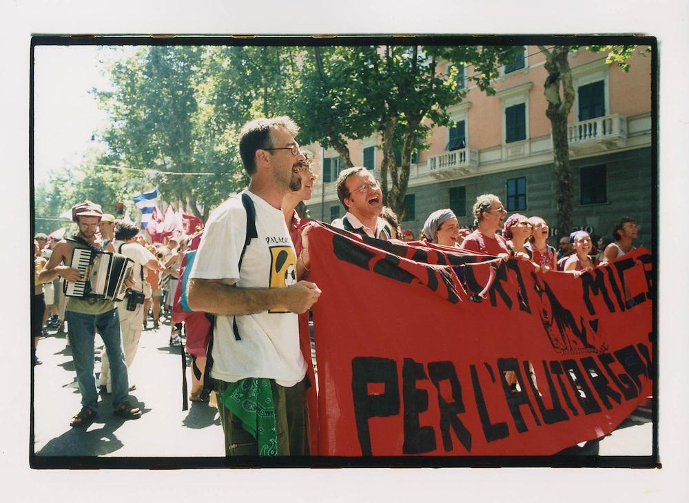 Proteste contro il summit del G8, Genova luglio 2001. Corteo di sabato 21 luglio.