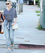 05.NOVEMBER.2013. LOS ANGELES<br /> <br /> (CODE - CI)<br /> JAIME KING CARRYING HER NEWBORN BABY INSIDE HER SHIRT WHILST RUNNING ERRANDS IN L.A.<br /> <br /> BYLINE: EDBIMAGEARCHIVE.CO.UK<br /> <br /> *THIS IMAGE IS STRICTLY FOR UK NEWSPAPERS AND MAGAZINES ONLY*<br /> *FOR WORLD WIDE SALES AND WEB USE PLEASE CONTACT EDBIMAGEARCHIVE - 0208 954 5968*