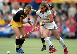20-05-2007 HOCKEY: FINALE PLAY OFF: DEN BOSCH - AMSTERDAM: DEN BOSCH <br /> Den Bosch voor de tiende keer op rij kampioen van de Rabo Hoofdklasse Dames. In de beslissende finale versloegen zij Amsterdam met 2-0 / Sophie Klooster en Eveline Wisse Smit<br /> ©2007-WWW.FOTOHOOGENDOORN.NL