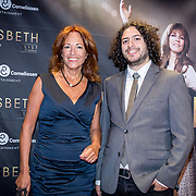 NLD/Amsterdam/20171002 - Premiere Liesbeth List de Musical, Paula Patricio en zoon Miro Temming