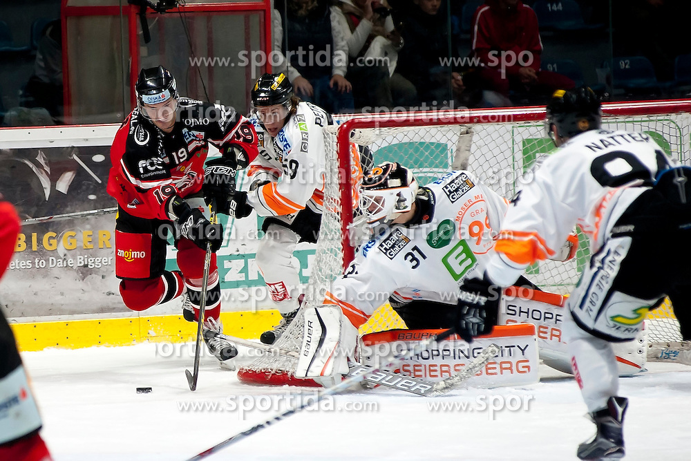 25.09.2015, Ice Rink, Znojmo, CZE, EBEL, HC Orli Znojmo vs Moser Medical Graz 99ers, 5. Runde, im Bild v.l. Roman Tomas (HC Orli Znojmo) Mario Petrovitz (Graz 99ers) Sebastian Dahm (Graz 99ers) Daniel Natter (Graz 99ers) // during the Erste Bank Icehockey League 5th round match between HC Orli Znojmo and Moser Medical Graz 99ers at the Ice Rink in Znojmo, Czech Republic on 2015/09/25. EXPA Pictures © 2015, PhotoCredit: EXPA/ Rostislav Pfeffer