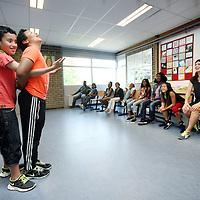 Nederland, Amsterdam , 10 juli 2014.<br /> Zomerschool ZuidOost<br /> reportage over de zomerschool Open Schoolgemeenschap Bijlmer voor leerlingen in groep 7 met achterstanden, in de Bijlmer. In de ochtend krijgen ze rekenen en taal, in de middag toneelimprovisatie.<br /> Foto:Jean-Pierre Jans