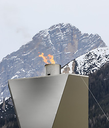 23.03.2017, Ramsau am Dachstein, AUT, Special Olympics 2017, Wintergames, Langlauf, Finale 500 m Freestyle, im Bild das Olympische Feuer vor der Kulisse der Dachstein-Südwand // the Olmpic flame in front of the Dachstein during the Cross Country Final 500 m Freestyle at the Special Olympics World Winter Games Austria 2017 in Ramsau am Dachstein, Austria on 2017/03/23. EXPA Pictures © 2017, PhotoCredit: EXPA / Martin Huber