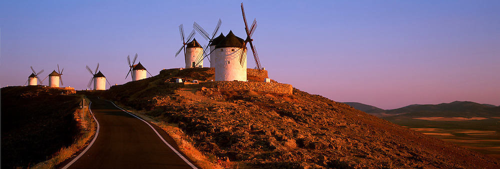 SPAIN, LA MANCHA, CONSUEGRA traditional windmills south of Toledo