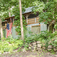 Rustic Cabin: Exterior front