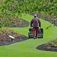 Picture of the Day. Gardeners, hard at work making Tollcross Park look stunning for the springtime.