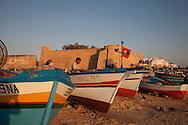 beach in front of  The MEDINA, the souks  Hamameth - Tunisie  .///.plage devant la medina, au bord de la mer  Hamameth - Tunisie .///.TUNIS212C