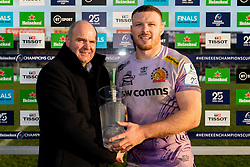 Sam Simmonds of Exeter Chiefs receives his man of the match award after the final whistle of the match - Mandatory by-line: Ryan Hiscott/JMP - 15/12/2019 - RUGBY - Sandy Park - Exeter, England - Exeter Chiefs v Sale Sharks - Heineken Champions Cup