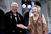 Prinses Beatrix reikt Zilveren Anjers 2018 uit