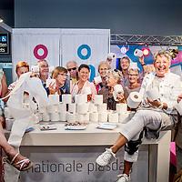Nederland, Utrecht, 22 september 2016.<br /> Vandaag is het Nationale Plasdag.<br /> Deze dag is in het leven geroepen om het taboe rondom plasklachten te doorbreken.<br /> Tijdens de 50Plus Beurs worden bezoekers op ludieke wijze geinformeerd.<br /> <br /> Foto: Jean-Pierre Jans