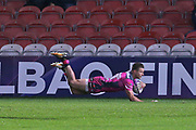 Gloucester centre Henry Trinder (13) scores a try12-3 first half during the European Rugby Challenge Cup match between Gloucester Rugby and SU Agen at the Kingsholm Stadium, Gloucester, United Kingdom on 19 October 2017. Photo by Gary Learmonth.