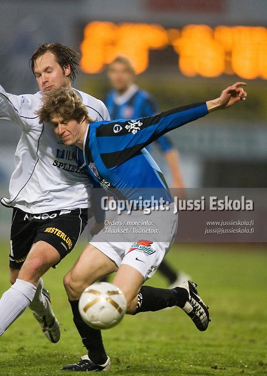 Sami Sanevuori, Toni Lehtinen (valk). Haka-Inter, Veikkausliiga, Valkeakoski 23.4.2007. Photo: Jussi Eskola
