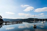 Tomales Bay , Californie au nord de San Francisco. La vue depuis le Marshall Store. Ici on peut déguster à toute heure huîtres et coquillages.