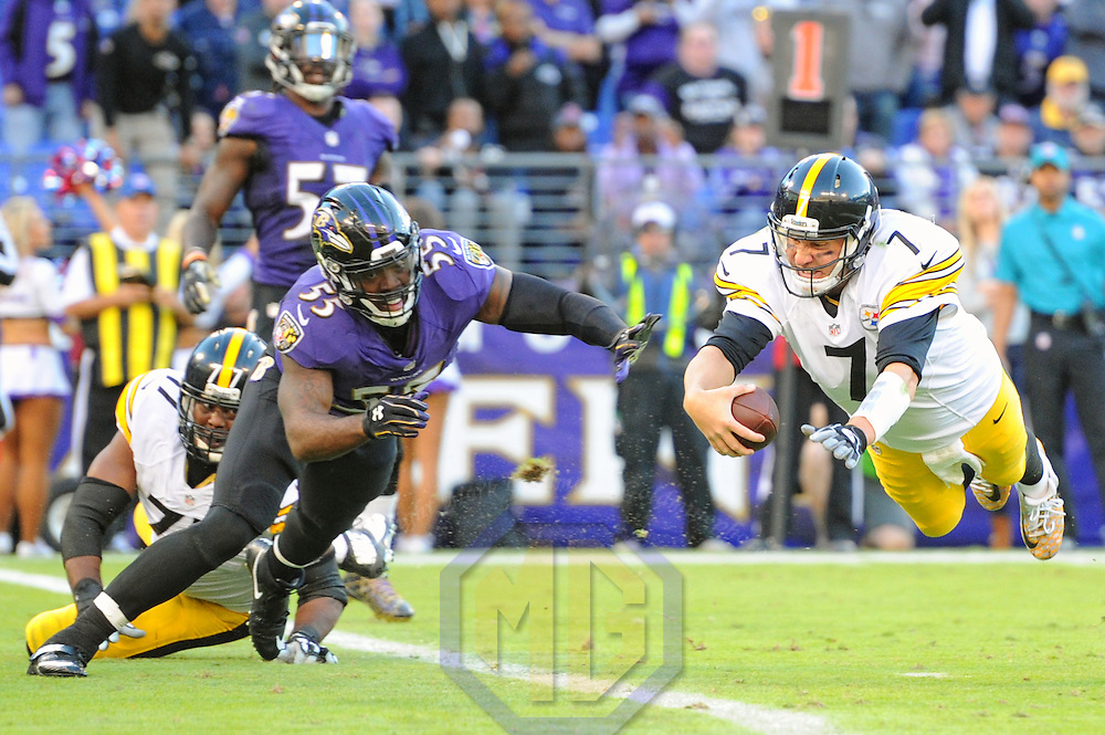 BALTIMORE, MD - NOVEMBER 06: Pittsburgh Steelers quarterback Ben Roethlisberger (7) dives into the end zone for a touchdown in the fourth quarter against Baltimore Ravens outside linebacker Terrell Suggs (55) on November 6, 2016, at M&T Bank Stadium in Baltimore, MD. where the Baltimore Ravens defeated the Pittsburgh Steelers, 21-14.  (Photo by Mark Goldman/Icon Sportswire)