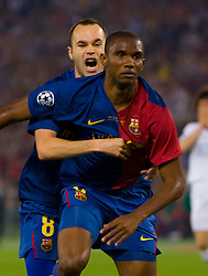 ROME, ITALY - Tuesday, May 26, 2009: Barcelona's Samuel Eto'o celebrates scoring the opening goal against Manchester United during the UEFA Champions League Final at the Stadio Olimpico. (Pic by Carlo Baroncini/Propaganda)