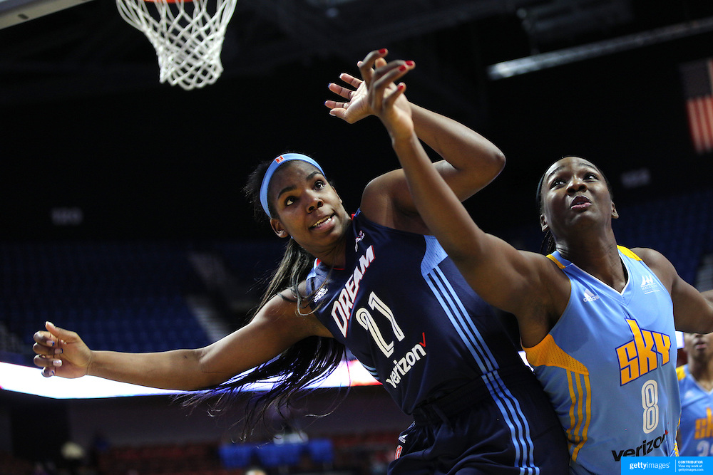 UNCASVILLE, CONNECTICUT- MAY 05:  Reshanda Gray #21, (left),  of the Atlanta Dream and Clarissa Dos Santos #8 of the Chicago Sky challenge for a rebound during the Atlanta Dream Vs Chicago Sky preseason WNBA game at Mohegan Sun Arena on May 05, 2016 in Uncasville. (Photo by Tim Clayton/Corbis via Getty Images)