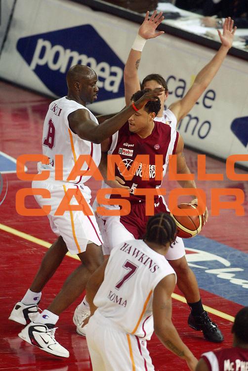 DESCRIZIONE : Roma Lega A1 2005-06 Lottomatica Virtus Roma Basket Livorno <br /> GIOCATORE : <br /> SQUADRA : Lottomatica Virtus Roma <br /> EVENTO : Campionato Lega A1 2005-2006 <br /> GARA : Lottomatica Virtus Roma Basket Livorno <br /> DATA : 04/02/2006 <br /> CATEGORIA : Raddoppio <br /> SPORT : Pallacanestro <br /> AUTORE : Agenzia Ciamillo-Castoria/G.Ciamillo