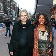 NLD/Amsterdam/20130408 - Uitreiking Mama of the Year award 2013, zwangere Liesbeth Kamerling en Georgina Kwakye Ameyaw