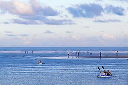 Amigos em bote na Praia da Ibiraquera, em Imbituba-SC.<br /> FOTO: Jefferson Bernardes / Preview.com
