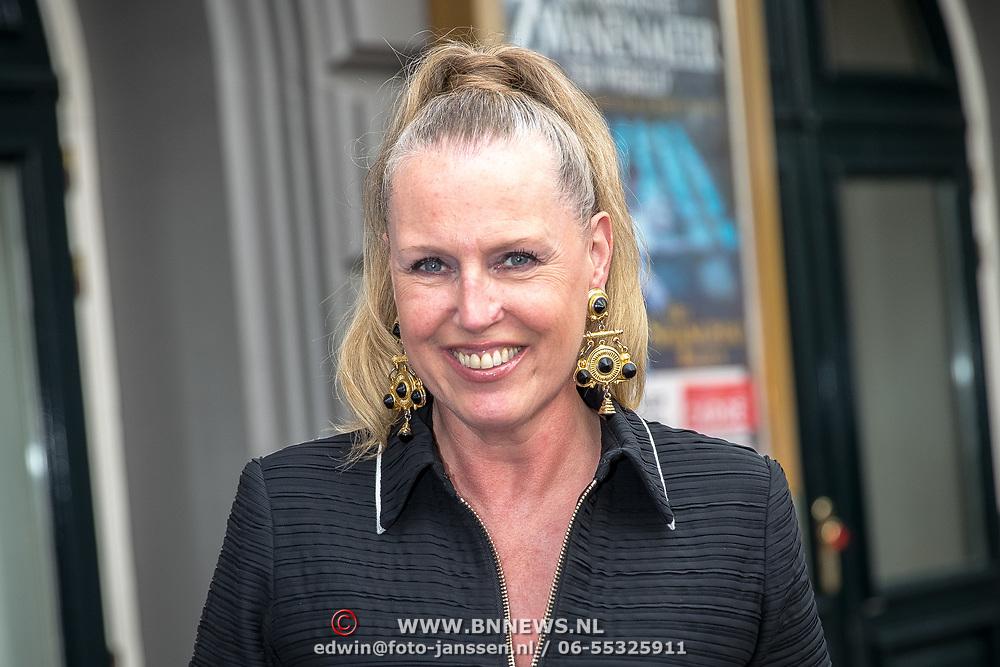 NLD/Amsterdam/20170823 - Premiere Grootste Zwanenmeer ter wereld, Monique Collignon