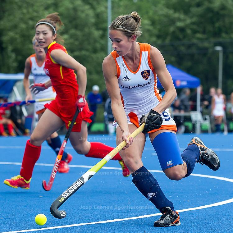 UTRECHT - hockey dames Nederland - China, oefen interland Olympische Spelen, 24-6-2012, Kampong Complex, Ellen Hoog (R).