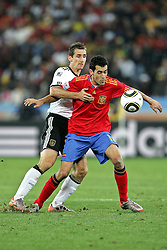 07.07.2010, Moses Mabhida Stadium, Durban, SOUTH AFRICA, Deutschland ( GER ) vs Spanien ( ESP ) im Bild Sergio Busquets of Spain and Miroslav Klose of Germany  Foto ©  nph /  Kokenge / SPORTIDA PHOTO AGENCY