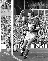 Fotball<br /> England<br /> Foto: Colorsport/Digitalsport<br /> NORWAY ONLY<br /> <br /> Guy Whittingham - Portsmouth. Celebrates his goal. Portsmouth v Grimsby Town, 8/5/93.