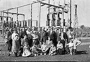 Members of the Geographical Society of Ireland visit the E.S.B. Generating Station at Pollaphuca..28.04.1962