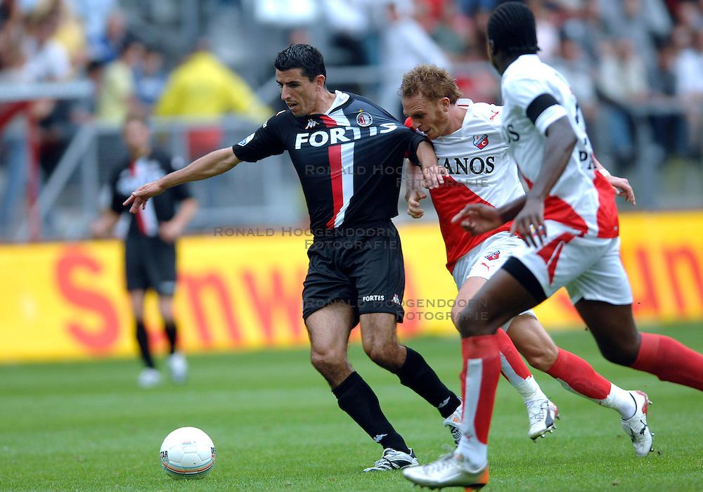 19-08-2007 VOETBAL: UTRECHT - FEYENOORD: UTRECHT<br /> Feyenoord wint met 3-0 in de Galgenwaard / Roy Makaay<br /> &copy;2007-WWW.FOTOHOOGENDOORN.NL