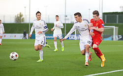 MADRID, SPAIN - Tuesday, November 4, 2014: Liverpool's Ryan Kent in action against Real Madrid CF's Gonzalo Merchan during the UEFA Youth League Group B match at Ciudad Real Madrid. (Pic by David Rawcliffe/Propaganda)